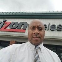 Photo taken at Verizon by Aaron H. on 5/10/2016