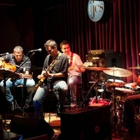Photo taken at Istanbul Jazz Center by 🇪 🇲 🇮 🇳 . on 2/10/2015