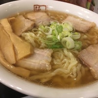 Photo taken at 喜多方ラーメン 坂内 金沢文庫店 by ハリー on 7/9/2018