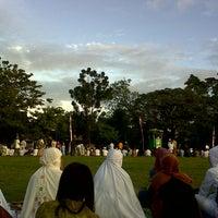 Photo taken at Lapangan kompleks unhas barayya by Dina D. on 8/7/2013