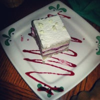Photo taken at Olive Garden by Damien S. on 5/18/2013