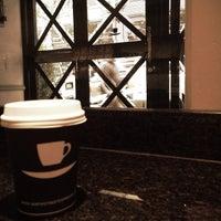 Снимок сделан в Ninth Street Espresso пользователем Juanita S. 7/10/2013