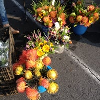 Photo taken at Keauhou Farmer's Market - Sheraton by Joey K. on 10/26/2013
