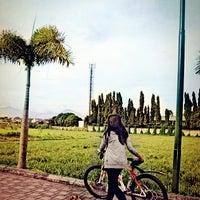 Photo taken at Jogging Track Batununggal Indah by Elizabeth K. on 7/15/2013