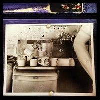 Foto tirada no(a) Bertie Lou's por Amanda Young em 4/28/2013