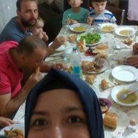 Photo taken at yengemin iftar sofrasi by Kübra Y. on 7/1/2016