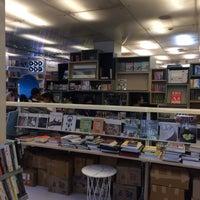 Photo taken at Oxford Bookstore by Vivek S. on 7/2/2017