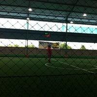 Photo taken at Futsal Pelangi, Sangatta City by Endo D. on 9/27/2013