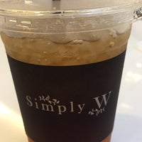 Photo taken at Simply W by putthida j. on 4/17/2017
