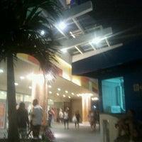 Foto tirada no(a) Madureira Shopping por Ronalld C. em 11/5/2012