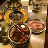Foto tomada en Mapogalmaegi Korean BBQ por ita el 2/20/2018