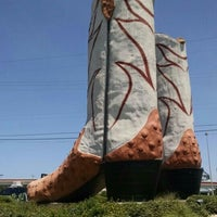 Photo taken at World's Largest Cowboy Boots by Anastasia K. on 8/11/2015