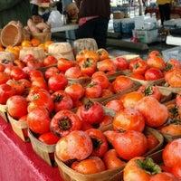 Foto tirada no(a) Urban Harvest Farmers Market por Anastasia K. em 11/7/2015