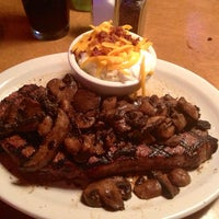 Photo taken at Texas Roadhouse by Tony P. on 7/13/2013