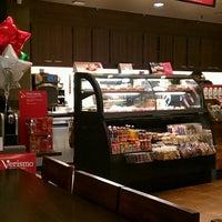 Photo taken at Starbucks by Lenwood B. on 11/27/2012
