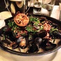 รูปภาพถ่ายที่ Flex Mussels โดย Leon C. เมื่อ 11/1/2012