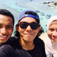Photo taken at Taman Laut Pulau Lengkuas by Fachrizal F. on 5/10/2016