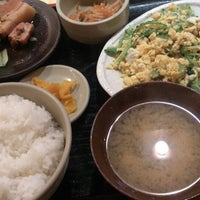 Photo taken at 丸の内 旬・彩・食・房~雅~ by Manabu K. on 4/15/2014
