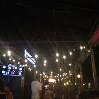 Foto scattata a OB Noodle House: Bar 1502 da Leana F. il 1/28/2018