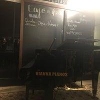 Foto tirada no(a) NaMata Café por Andrea L. em 7/19/2018