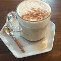 Photo prise au Moniker Coffee Co. par Melody D. le7/24/2016