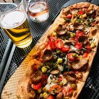 Photo prise au &pizza par Priscilla C. le8/3/2018