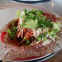 Foto scattata a Chipotle Mexican Grill da ҀЄФ4รɦѻ 🔩 il 8/9/2014