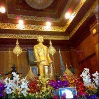 Photo taken at ธรรมานุสรณ์สถาน รัชกาลที่ 5 by \..( ^ Ḅ ö ẅ - Ŀ ï ń Ġ ^)../ .. on 12/2/2012