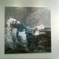 Das Foto wurde bei QMA Gallery von Tarek E. am 10/11/2012 aufgenommen