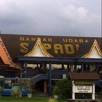 Photo taken at Supadio International Airport (PNK) by Rahmat Pakaya on 11/7/2012
