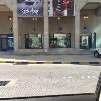 Photo taken at اشارة برج حمود by Esra E. on 1/18/2016