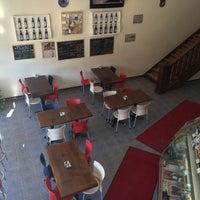 Photo taken at Bela Vista - Boulangerie & Pâtisserie Portugaise by Tristan T. on 3/4/2016
