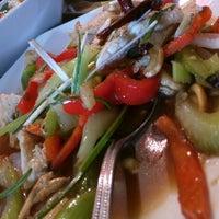 Photo taken at Zen Yai Thai Cuisine by Mahesh P. on 7/22/2015