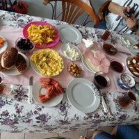 Photo taken at Kardelen Kahve Dünyası by DUYGU Ç. on 9/10/2014