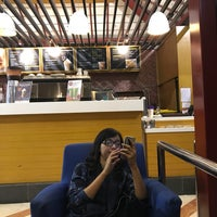 Photo taken at The Coffee Bean & Tea Leaf by sugianto p. on 4/23/2017