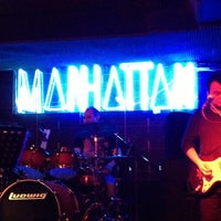 รูปภาพถ่ายที่ Manhattan โดย Burak Mukaddes Ş. เมื่อ 4/19/2013