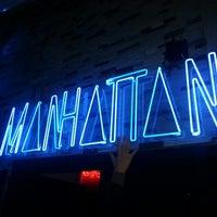 รูปภาพถ่ายที่ Manhattan โดย ilke D. เมื่อ 4/12/2013