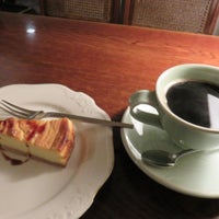 Photo taken at Cafe Roi by こんぶ 酒. on 5/14/2016
