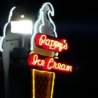 Photo taken at Pappy's Ice Cream by Steve F. on 8/10/2014