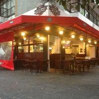 Foto tomada en Central De Pizzas por Rafepa M. el 11/16/2013
