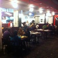 Foto tomada en Central De Pizzas por Rafepa M. el 11/19/2013