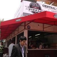 Foto tomada en Central de Pizzas por Rafepa M. el 9/24/2013