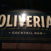Foto tomada en Oliveria Cocktail Bar por Eric L. el 6/20/2017