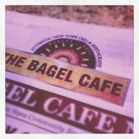 Foto tirada no(a) The Bagel Cafe por Kurtis S. em 10/25/2012