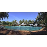 Photo taken at Pantai Mutiara Swimming Pool by Andreas D. on 7/30/2014