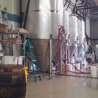 Foto tomada en Smog City Brewing Company por Lily V. el 6/8/2013