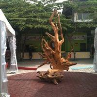 Photo taken at Taman Cafe JEC by Budi P. on 9/28/2012