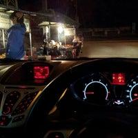 Photo taken at ตลาดโต้รุ่ง แม่ขรี by H2O on 12/17/2012