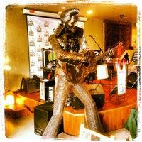 รูปภาพถ่ายที่ Palms Thai Restaurant โดย Steven S. เมื่อ 6/8/2013