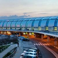 Photo taken at Budapest Liszt Ferenc International Airport (BUD) by Yusri Echman on 6/16/2013
